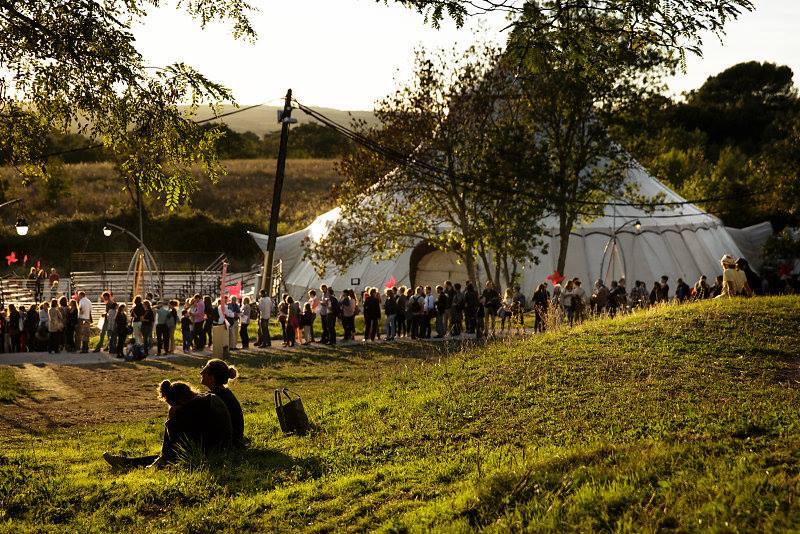 3daae27551d5b ... comme but de partager les arts du cirque dans la région de Provence  (conseil artistique